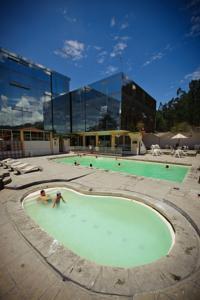 Hosteria termal rodas en cuenca ecuador mejores precios for Hoteles con piscina en cuenca