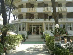 Hotel oasi a milano marittima italy migliori tariffe for Ristorante australiano milano