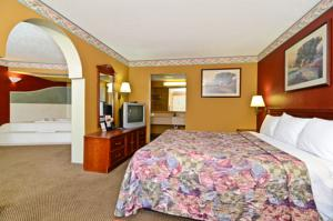 Americas Best Value Inn Indianapolis East photo