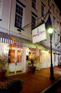 Chateau Dupre In New Orleans Usa Lets Book Hotel