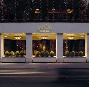Jumeirah Carlton Tower photo