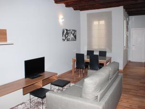 Apartamentos la hispaniola barcelona en hospitalet de llobregat spain mejores precios - Apartamentos en barcelona booking ...
