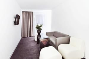 Platinum Palace Apartments photo
