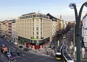 Titanic Hotel Berlin Adresse