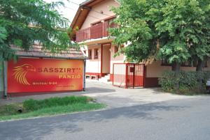 Airport Sasszirt Pension