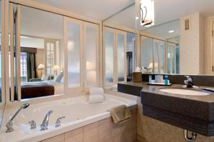 Hilton Niagara Falls Fallsview Hotel And Suites In