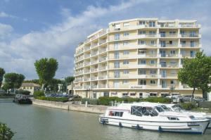 Les floriales narbonne france meilleurs tarif for Appart hotel narbonne
