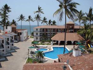 Costa alegre hotel suites in rincon de guayabitos for Bungalows villas del coral los ayala