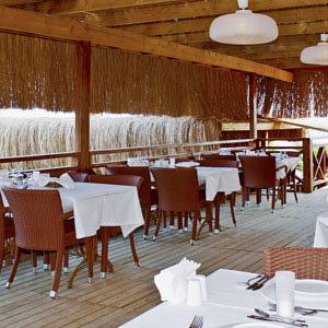 Design plus seya beach in alacati turkey lets book hotel for Design boutique hotel alacati