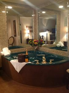 Salvatore 39 S Garden Place Hotel An Ascend Hotel Collection Member In Williamsville Usa Best