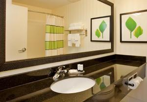 Fairfield Inn & Suites Houston I-45 North photo