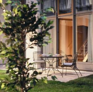 hanse clipper haus apartments hamburg in hamburg germany. Black Bedroom Furniture Sets. Home Design Ideas