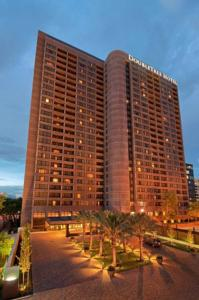 DoubleTree Suites by Hilton Houston by the Galleria photo