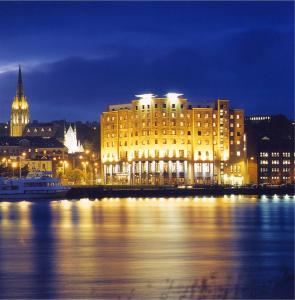City Hotel In Londonderry Uk Best Rates Guaranteed Lets Book Hotel