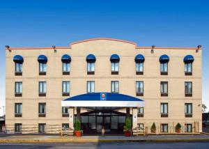 Comfort Inn JFK Airport in Queens, USA - Lets Book Hotel