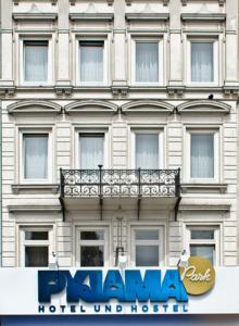 pyjama park hotel hostel in hamburg germany lets book. Black Bedroom Furniture Sets. Home Design Ideas