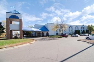 Americas Best Value Inn and Suites- Shakopee