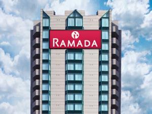 Ramada By Wyndham Niagara Falls Fallsview In Niagara Falls