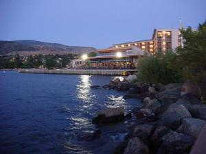 Penticton Lakeside Resort In Penticton Canada Best Rates Guaranteed Lets Book Hotel