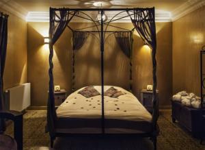 Hotel riad in luik belgium laagste prijsgarantie lets for Chambre a theme liege