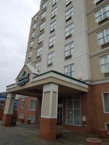Queens County Inn And Suites In Queens Usa Lets Book Hotel