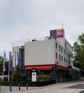 ibis Utrecht photo