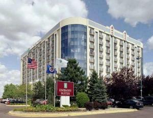 Embassy Suites Minneapolis - Airport photo