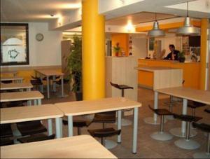 hotelf1 roissy pn2 in roissy en france france best rates guaranteed lets book hotel. Black Bedroom Furniture Sets. Home Design Ideas