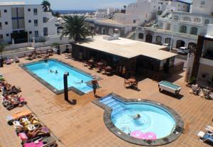 Club atl ntico in puerto del carmen spain best rates guaranteed lets book hotel - Car rental puerto del carmen ...