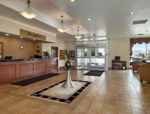 Days inn by wyndham london in london canada lets book hotel - White oaks swimming pool london ontario ...