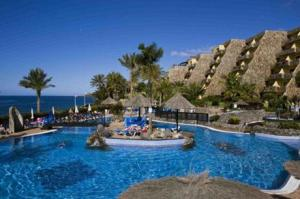 Apartamentos bluebay beach club en san agust n spain mejores precios garantizados lets book - Apartamentos bluebay beach club ...