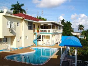 Le Hotel Is Located 5 Minutes Drive From Montego Bay City Centre And The Sangster International Airport It Features A Sun Terrace With