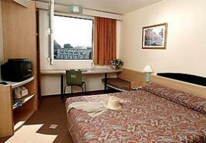 10 Best Cheap Hotels Near Amsterdam Central Station