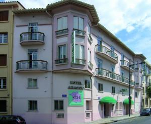 Hotel aragon in perpignan france laagste prijsgarantie - Piscine gilbert brutus perpignan ...