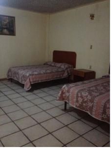 Mexicana en el hotel con el novio de su amiga - 1 part 8