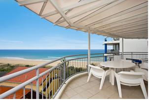 Oceanside Resort - Absolute Beachfront Apartments