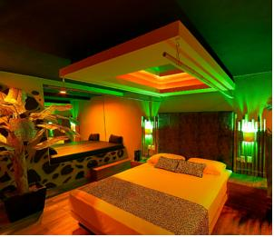 Sensaciones motel boutique adults only en canc n mexico for Motel con piscina privada