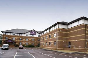 Premier Inn London Beckton photo