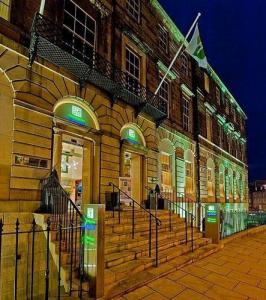 Holiday Inn Express Edinburgh City Centre In Edinburgh Uk Best Rates Guaranteed Lets Book Hotel