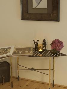 hadley 39 s bed and breakfast in hamburg germany besten. Black Bedroom Furniture Sets. Home Design Ideas