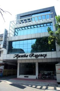 Located 500 Metres From City Centre And 1 Km Ernakulam South Railway Station Cochin Bus Ajantha Residency Features A Meeting Banqueting
