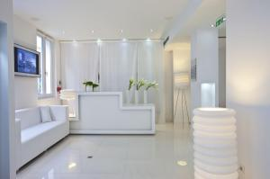 Blc design hotel in paris france best rates guaranteed for Blc design hotel booking