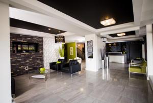v hotel suites in moncton canada lets book hotel. Black Bedroom Furniture Sets. Home Design Ideas