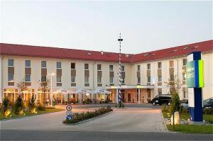 Holiday Inn Express Munich Airport photo