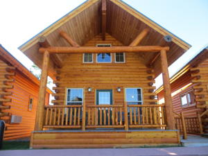 Cabins of mackinaw in mackinaw city usa best rates for Cabin rentals mackinaw city