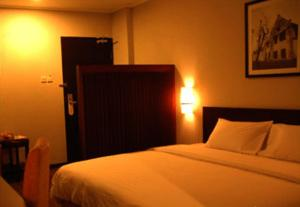 Hotel Horison Makassar photo