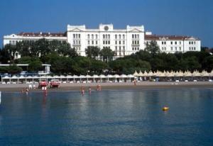 Hotel des bains venice lido resort in venice lido italy for Hotel des grands bains