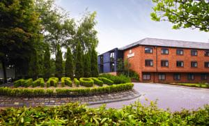 Manchester airport marriott hotel in hale uk lets book - Altrincham leisure centre swimming pool ...