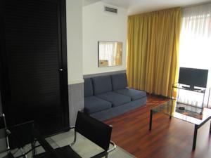 Apartamentos descartes in barcelona spain best rates guaranteed lets book hotel - Apartamentos en barcelona booking ...