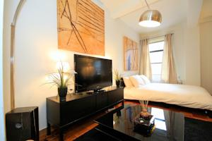Stylish Studio in Great Central Midtown Location